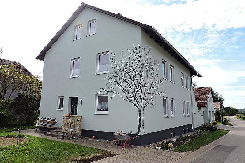 Fassadengestaltung mit Baum - nachher