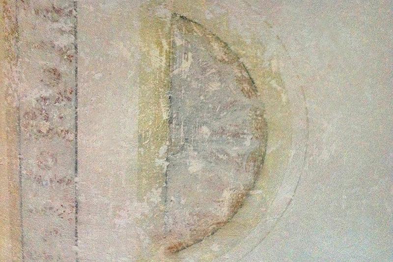Restaurierung einer Stuckdecke - vorher